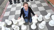 Meisterin mit 14 Jahren: Wunderkind Schneider erstaunt Schachwelt