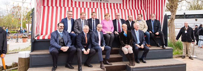 Merkel im Hansapark: Wie heißt noch mal der CDU-Kandidat?