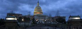 Eigentlich sollte der Kongress bis Mitternacht Staatsgelder für den Zeitraum von 29. April bis zum 30. September bewilligen.