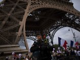 Die Verkörperung europäischer Romantik - und mögliches Ziel von Terroristen: Der Eiffelturm in Paris.