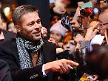 Inzwischen trinkt Brad Pitt statt Alkohol nur noch Cranberrysaft-Schorle.