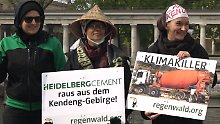 Die Samin-Bäuerin Gunarti ist nach Deutschland gereist.