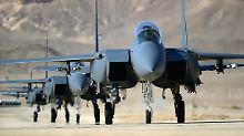 """""""Die Sache ist entschieden"""": Moskau sperrt US-Jets aus Teilen Syriens aus"""
