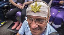 Anregende Wirkung von THC: Hilft der Cannabis-Wirkstoff gegen Demenz?