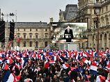 Präsidentschaftswahl gewonnen: Macrons Bewegung stellt sich neu auf
