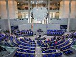 Verhandlung in Karlsruhe: Grüne fordern bessere Antworten
