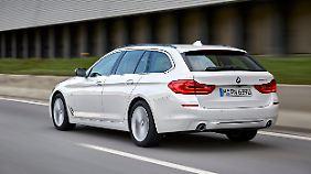 Am Heck des BMW 5er Touring sind kaum Veränderungen zum Vorgänger zu sehen.