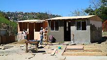 Im mexikanischen Tijuana entsteht das Dorf Kleines Haiti. Hier siedeln Haitianer, die nicht in die USA einreisen dürfen.