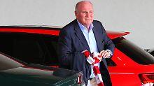 Der Präsident des FC Bayern München, Uli Hoeneß, steht wegen seiner Steuerhinterziehung noch bis Februar 2019 unter Bewährung.