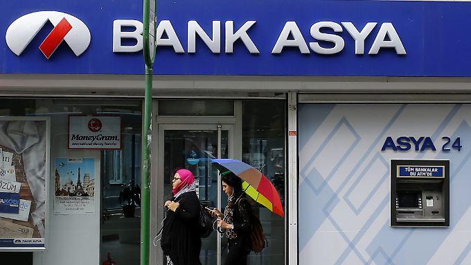Die Bank Asya gehörte früher zur Gülen-Bewegung und wurde 2015 unter Zwangsverwaltung gestellt.
