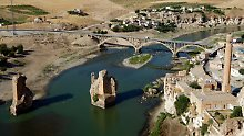 Pegel des Ilisu-Damms steigt: Türkei rettet 1100-Tonnen-Grabstätte