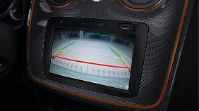 Die Rückfahrkamera, mit leidlich scharfen Bildern, kostet 150 Euro extra.