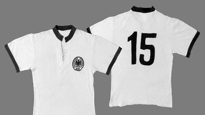 Ein Original-WM-Trikot von  1954. Real darf ähnlich aussehende Trikots nicht mehr verkaufen.