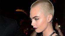 Oben ohne in Cannes: Cara Delevingne glänzt mit Glatze
