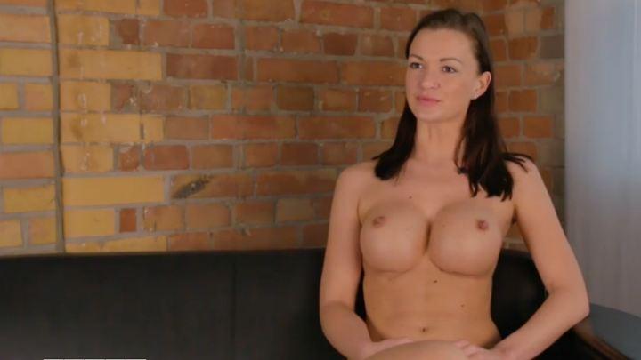 Marie Lang Nackt