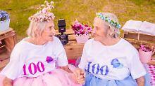 Ein Jahrhundert Geschwisterliebe: 100-Jährige feiern magisches Fotoshooting