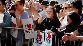 Fassungslosigkeit nach Anschlag: Manchester steht zusammen