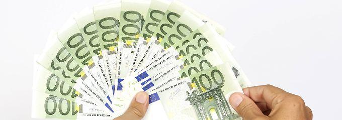 Schlechtbezahlte holen auf: Gutverdiener verzeichnen größtes Lohnplus