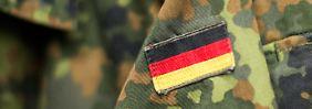 Bundeswehrübung bei Munster: Offizieranwärter stirbt nach Marsch