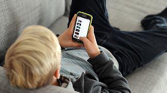 Konzentrations-, Ess- und Sprachstörungen: Internet- und Handysucht gefährdet Millionen Kinder