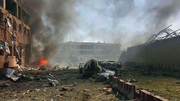 Vor Deutscher Botschaft in Kabul: Gewaltige Explosion reißt Dutzende in den Tod