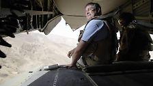 Zwischen 2005 und 2009 war er zunächst vier Jahre lang Verteidigungsminister, bevor er ins Arbeitsministerium wechselte. Nach nur einem Monat trat Jung jedoch zurück.