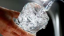 Wasser aus der Leitung könnte deutlich teurer werden, warnt der Bundesverband der Versorger.