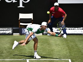 Tennistalent Maximilian Marterer ist beim ATP-Turnier in Stuttgart in der ersten Runde ausgeschieden.