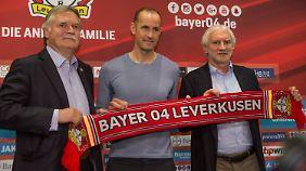 Bayer-Geschäftsführer Michael Schade, Neu-Trainer Heiko Herrlich und Sportdirektor Rudi Völler bei der Präsentation von Herrlich am vergangenen Freitag.