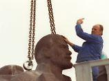 1992 wurde das Denkmal in Dresden demontiert.