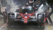 Toyota ist mit seinen LMP1-Autos beim 24 Studnen Rennen von Le Mans im Pech.
