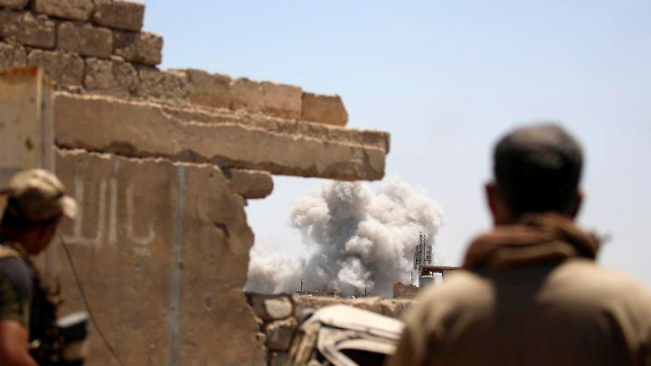 Die Randbezirke von Mossul sind schon wieder von der Terrormiliz ISIS befreit. Jetzt greift die irakische Befreiungsarmee die Altstadt an