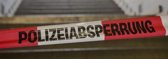 An einigen Stellen, wie hier in Berlin, mussten ganze Bahnsteige gesperrt werden.