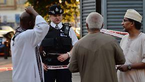 Anti-Terror-Spezialisten ermitteln: Minivan rast vor Londoner Moschee in Menschenmenge