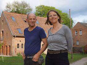 """Martin Hansen und Marieken Verheyen betreiben den """"Rehof"""" in Rutenberg."""