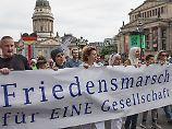 #nichtmituns in Berlin: Kaum Besucher bei Anti-Terror-Demo