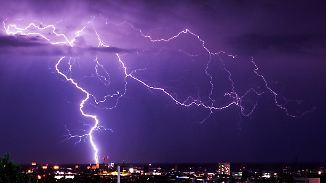 Schwüle bleibt im Süden hängen: Unwetter ziehen Richtung Norden
