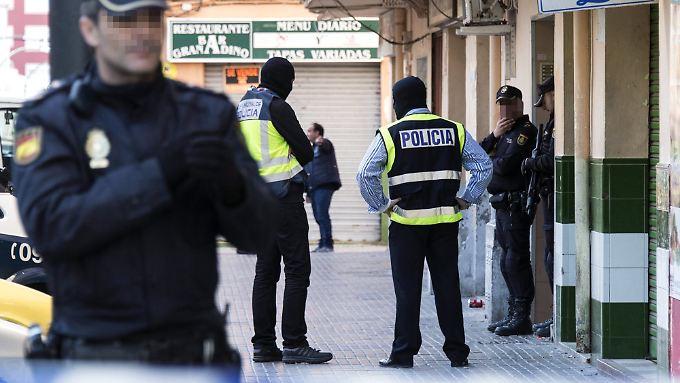 Auch auf Mallorca nimmt die Polizei mutmaßliche IS-Symphatisanten fest.