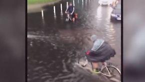 Handyvideos zeigen Ausnahmezustand: Heftige Unwetter legen Berlin lahm