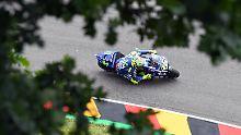 Valentino Rossi zieht auf dem Sachsenring seine Bahnen.