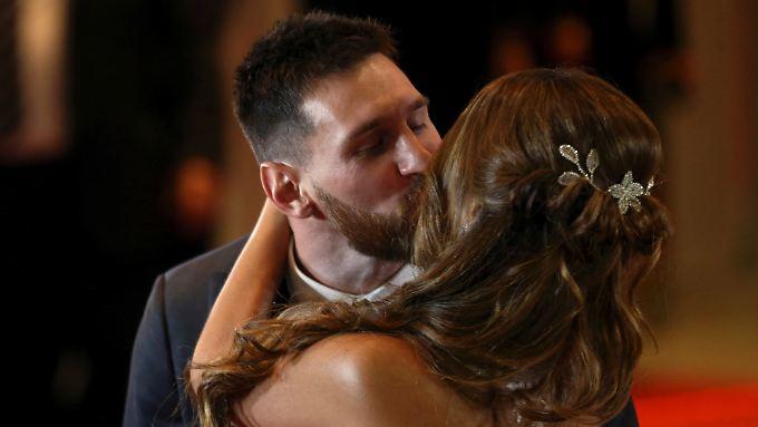 Ein Kuss, der für die Ewigkeit halten soll.
