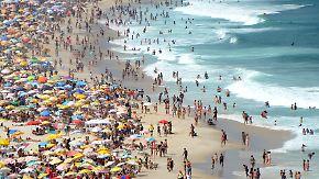 Volle Strände, überbuchte Hotels: Touristen überrennen Kreta und Mallorca