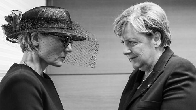 Die Witwe Maike Kohl-Richter und Bundeskanzlerin Angela Merkel.