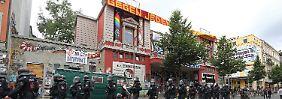 "Autonomes Zentrum ""Rote Flora"": CSU-Politiker fordert gewaltsame Räumung"