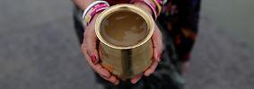 Für zwei Drittel der rund 500 Millionen Anwohner ist das Flusswasser die einzige Trinkwasserquelle und ...