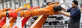 Die Verordnung ist eine späte Reaktion auf die Übernahme des Augsburger Roboterherstellers Kuka durch die chinesische Firma Midea.