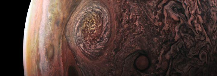 """Jupiter und das Große Rote Auge: Juno schickt """"die besten Bilder aller Zeiten"""""""