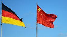 China hat den deutschen Übernahmeschutz für strategisch wichtige Firmen durch Auslandsunternehmen kritisiert.