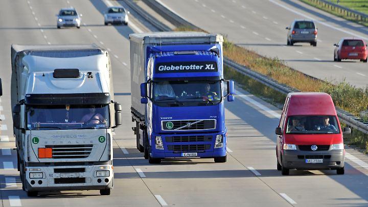Die EU reguliert bisher nur den CO2-Ausstoß von Pkw und Kleintransportern, nicht jedoch von Lastwagen.