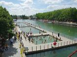 Badespaß am Eiffelturm?: Paris eröffnet Freiluftbecken
